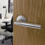 Fit:replace door with handels and locks