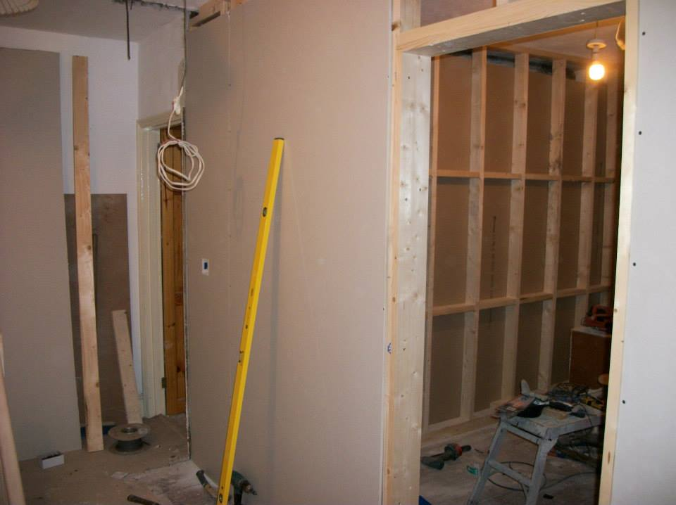 Build A Stud Wall From Timber And Plasterboard Per Sqm